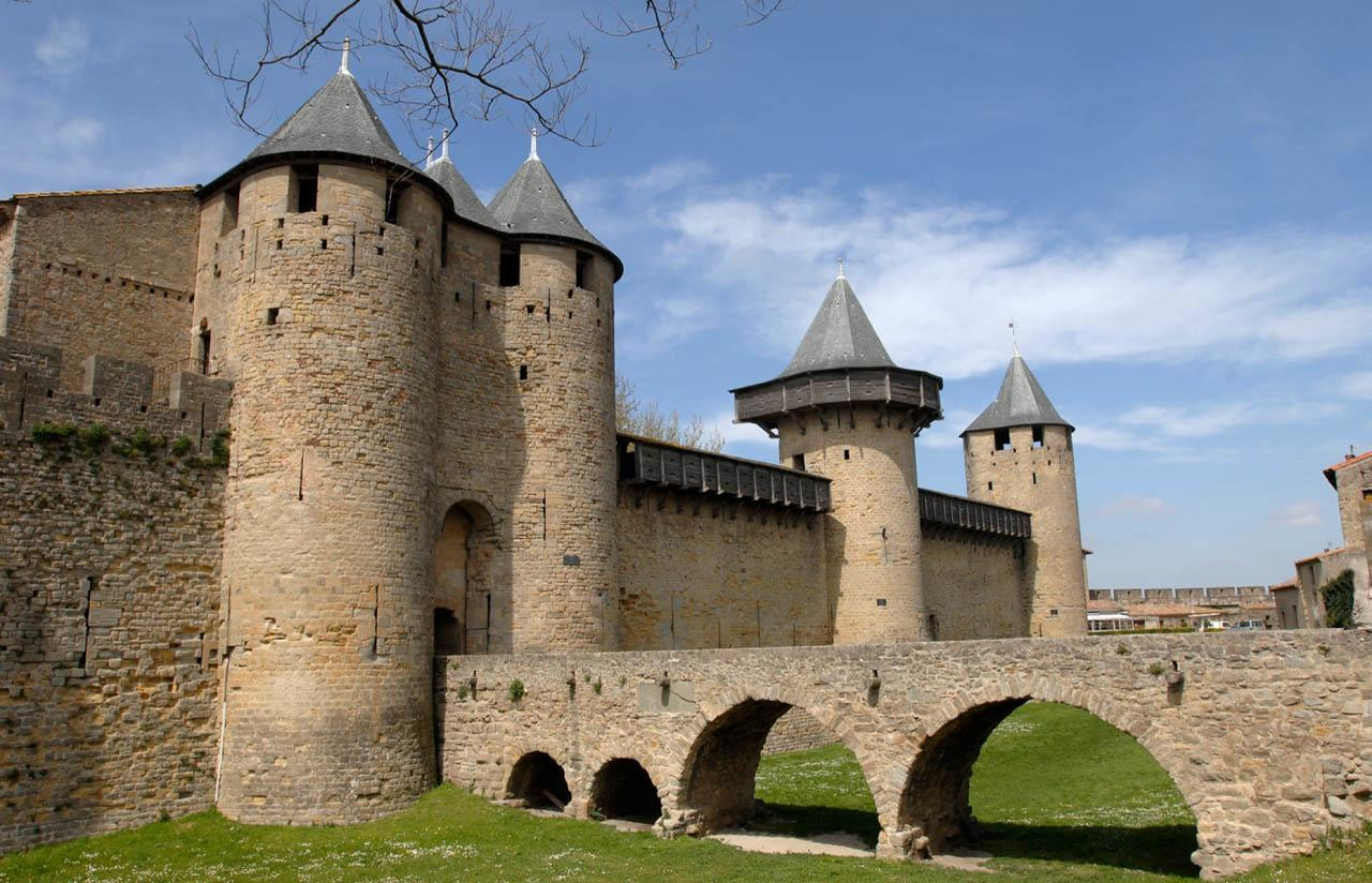 Les incontournables la cit de carcassonne sir ne holidays for Au jardin de la tour carcassonne